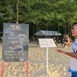Khun Manop vor seinem neuen Resort auf Koh Prathong